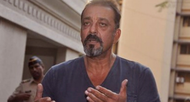Sanjay Dutt leaves for jail to surrender, returns home ...