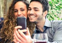 Selfie posts tied to romantic relationship crisis: study