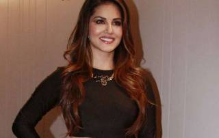 I am shy in real life: Sunny Leone