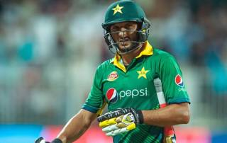Shahid Afridi's retirement U-turn leaves PCB in a spin