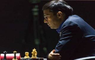 Anand beats Topalov in Candidates' opener