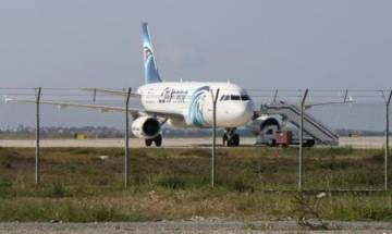 Egypt plane hijacked to Cyprus, 'no link to terrorism'