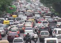 Delhi govt asks corporates to help reduce traffic snarls