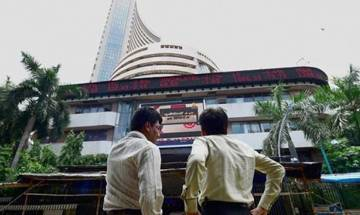 Sensex climbs 326 pts, Nifty regains 7,800-mark in early trade