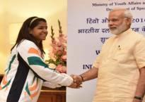 Country is proud of Sakshi's feat: PM Modi,President Pranab Mukherjee