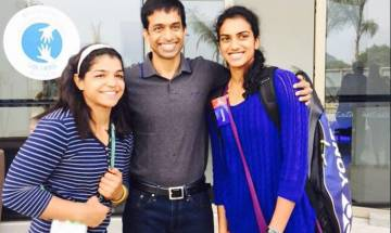 Epic photo moment: Sakshi Malik, PV Sindhu, and Gopichand in one frame