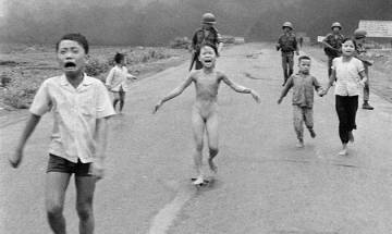Facebook rescinds censor on iconic photo of Vietnamese girl victim
