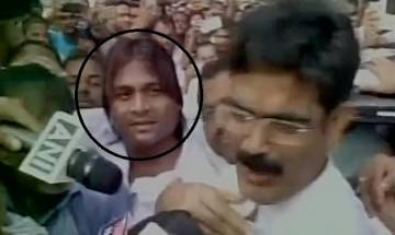 Shooter wanted in Siwan journalist murder case spotted with Shahabuddin