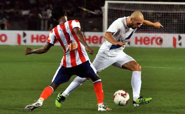Atletico de Kolkata and Mumbai City FC players during an ISL match (source: cricketnmore.com)