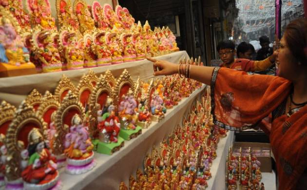 Know all about Diwali Puja muhurat 2016 to celebrate the auspiscious day and more. (Image: Getty)