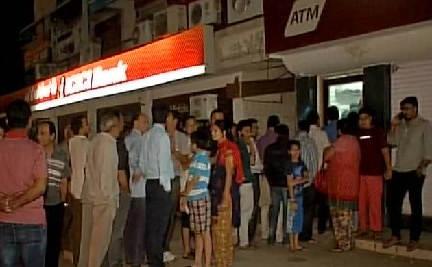 Rs 500 and Rs 1000 notes demonetised: People throng ATMs to