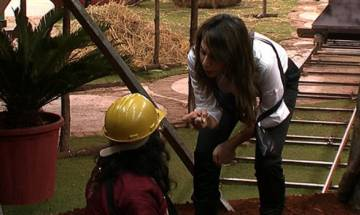 Bigg Boss 10, Day 38: Captain Rohan looks to save gold treasure amidst fight between Om Swami and Nitibha