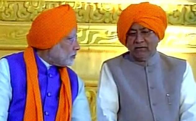 Prime Minister Narendra Modi and Nitish Kumar at Patna's Gandhi Maidan (Pic: ANI)