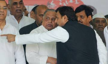 Mulayam becomes guardian to Akhilesh-led SP, name plate changed in party's office