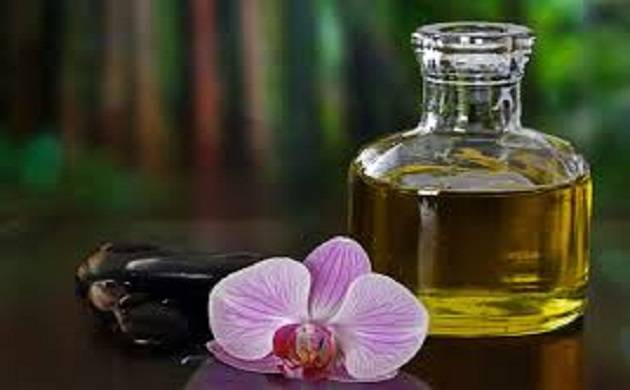 Facial oils for natural skin glow