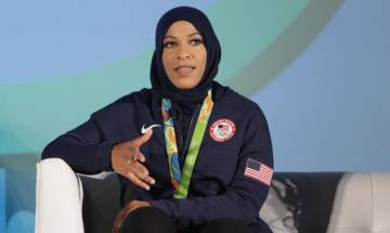 Olympian Ibtihaj Muhammad allegedly detained for two hours at US airport