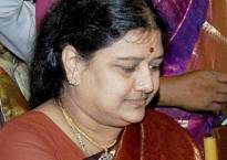 Sasikala reinducts two family members sacked by Jayalalithaa into AIADMK
