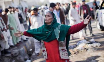 Pakistan: 7 killed, 21 injured in Taliban suicide bombers attack