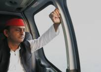 Election Results 2017 | Akhilesh submits resignation; EC confirms no tampering in EVMs