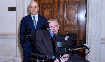High-flyer: Stephen Hawking plans to visit space on board Richard Branson's Virgin Galactic