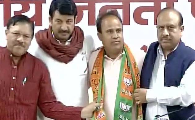 Delhi BJP s door to door campaign for MCD polls to begin from Friday