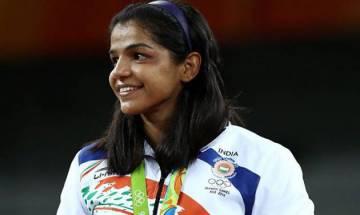 Rio Olympics bronze medallist Sakshi Malik ties knot with grappler Satyawart Kadian