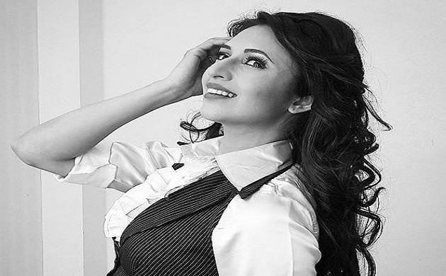 Television happy-go-lucky bahu Divyanka Tripathi desires to go all grey! (Img Source: Twitter)