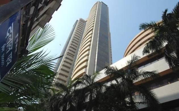 Sensex drops below 30,000-mark on weak trend in global markets