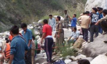 Uttarkashi bus accident: 22 bodies recovered, 8 injured admitted to hospital; rescue ops underway