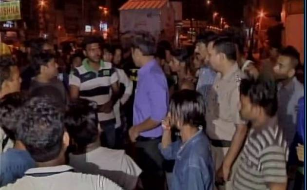 Delhi: E-rickshaw driver beaten to death for stopping men from urinating outside GTB Metro station (Representational Image)