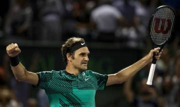 Halle Open: Roger Federer beats Mischa Zverev in straight sets to march into quarters