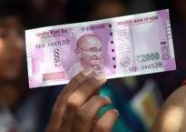 RBI stops printing Rs 2000 notes, Rs 200 note likely to be circulated in market next month