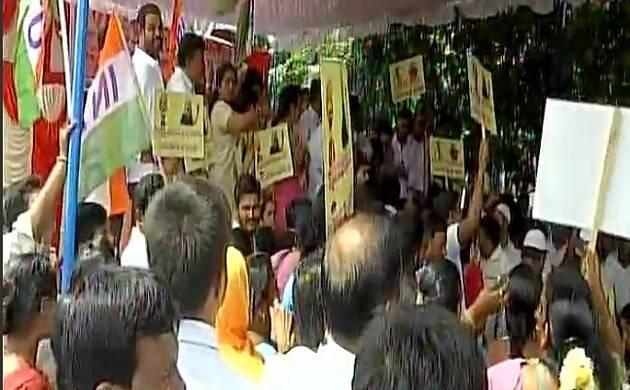 I-T dept continues raids at locations linked to Karnataka minister DK Shivakumar