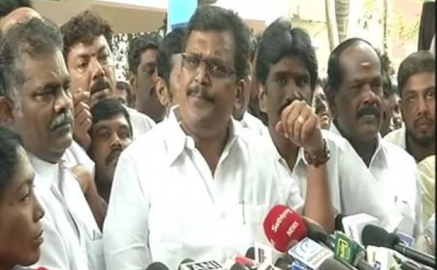 Tamil Nadu: After AIADMK merger, MLAs loyal to Dhinkaran revolt against CM Palaniswami, DMK demands trust vote