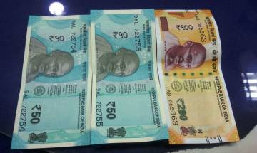 First ever Rs 200 note reaches market, bridges 'missing link' in currency
