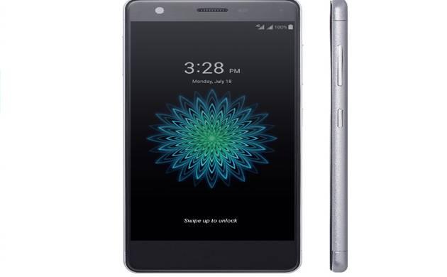 ZTE smartphone (file photo)