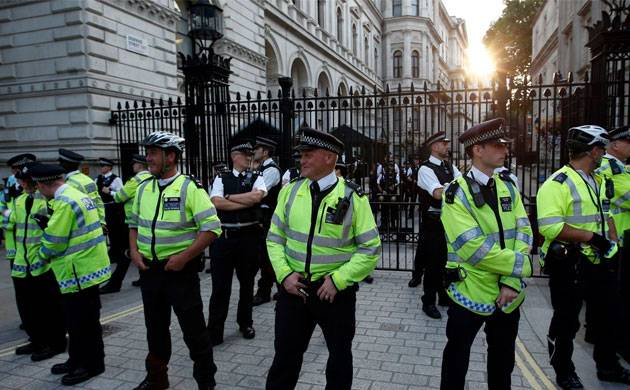 Explosion on London Tube train: Massive manhunt for suspects launched (Representative Image)