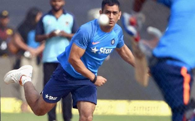 India vs Aus: MS Dhoni bowls spin at nets ahead of third ODI (Image: PTI)