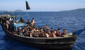 Rohingya crisis: Bangladesh forces mobile phone ban on Rohingya Muslim refugees