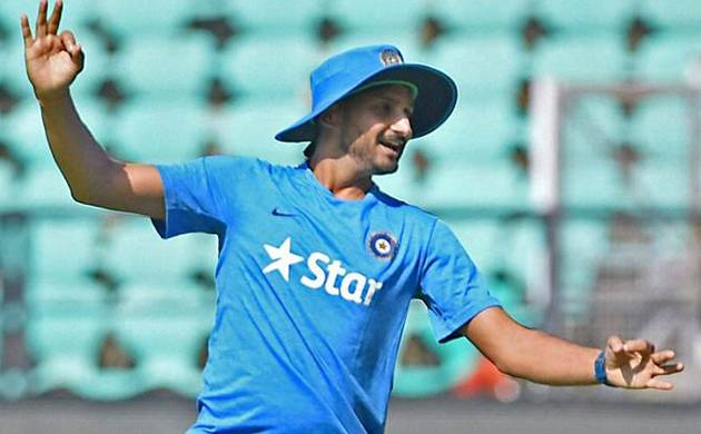 Harbhajan takes dig at Aussies, urges Clarke to come out of retirement (Source: PTI)