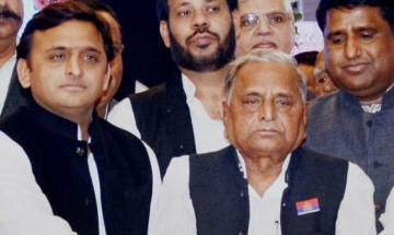 UP: Yadav clan heading for appeasement, Akhilesh invites father to SP meet