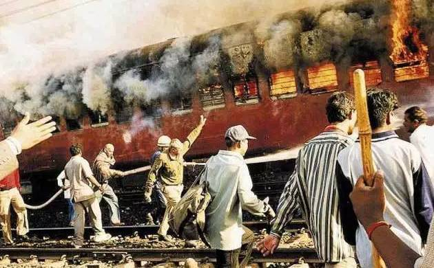 Godhra train burning case: HC spares noose for 11 convicts (File Photo)