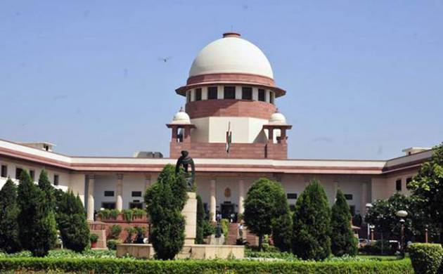 Supreme Court refuges to hear linking of phone number with Aadhar. (File Photo)