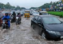 Torrential rains bring Chennai to standstill, MET forecasts heavy rainfall in next 24 hours