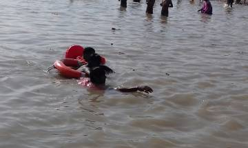 Bihar: NDRF rescuers employ professional skills to save boy from drowning in Ganga