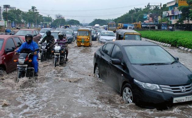 Tamil Nadu rain fury Over 10,000 putting up in 114 relief camps