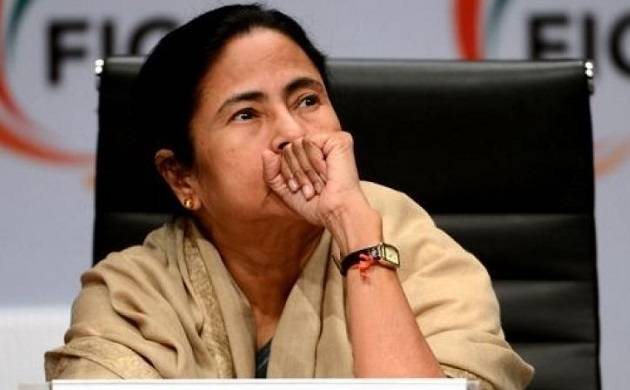 Mamata Banerjee describes demonetisation as 'DeMoDisaster', turns Twitter display picture black