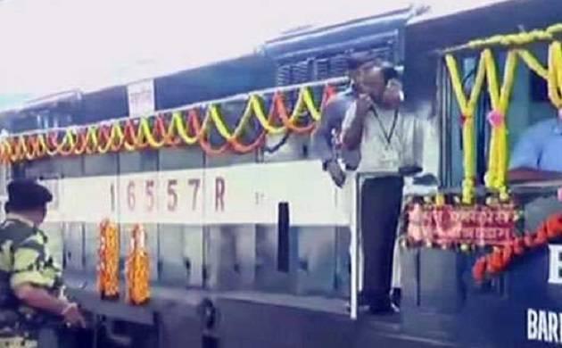 PM Modi, Sheikh Hasina, Mamata Banerjee flag off Kolkata-Khulna passenger train