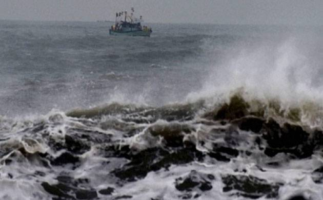 Cyclone Ockhi: Indian Navy engages ships, helicopters to rescue 69 fishermen in Indian Ocean. (Representative Image)