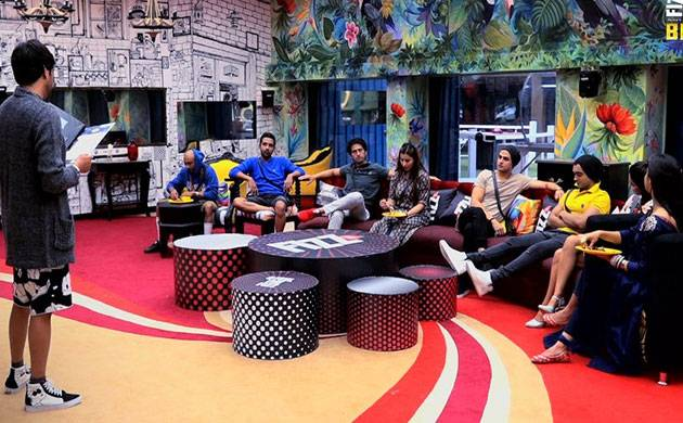 Bigg Boss 11, Episode 73, Day 72, LIVE UPDATES: Unique luxury budget task to test the emotions of housemates